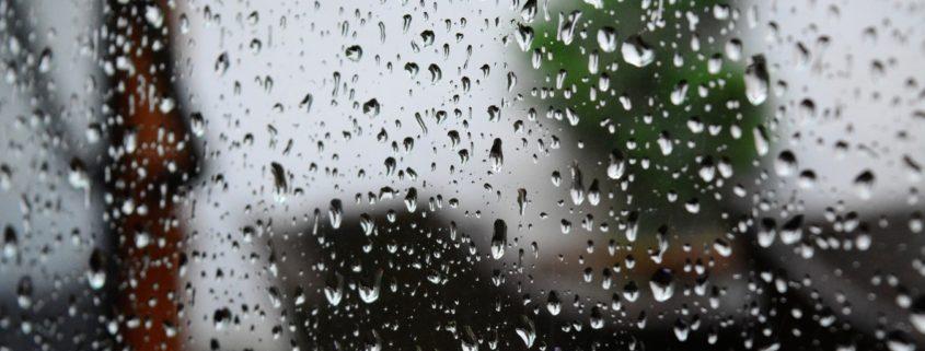 Water on window raining